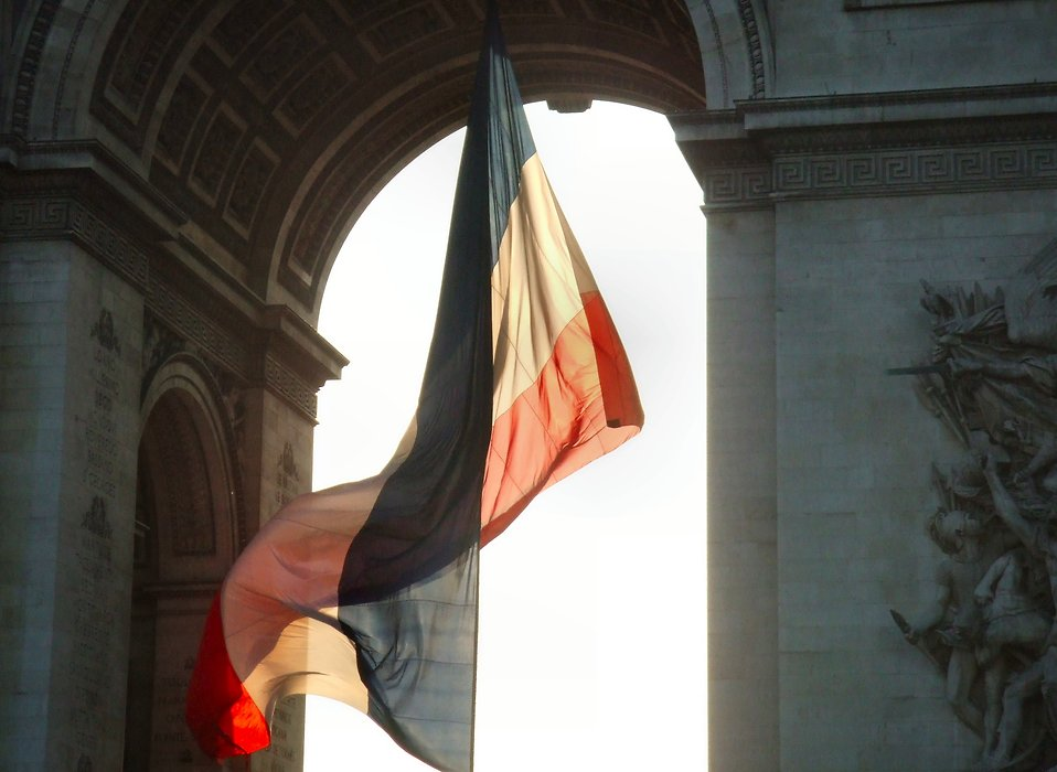French flag at Arc de Triomphe : Free Stock Photo