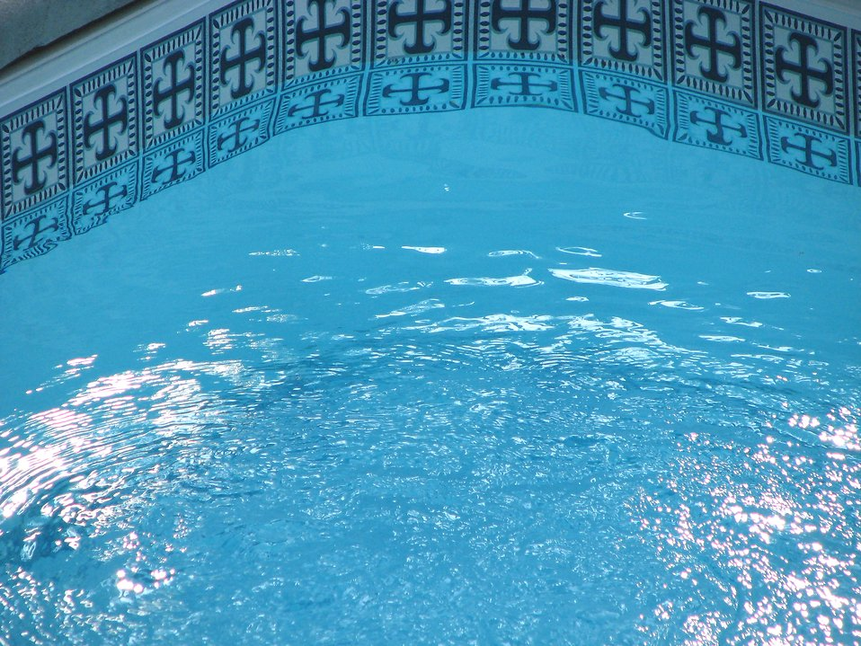 Swimming pool : Free Stock Photo