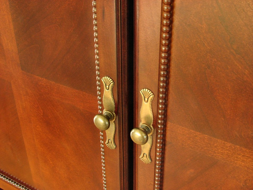 Dresser doors : Free Stock Photo