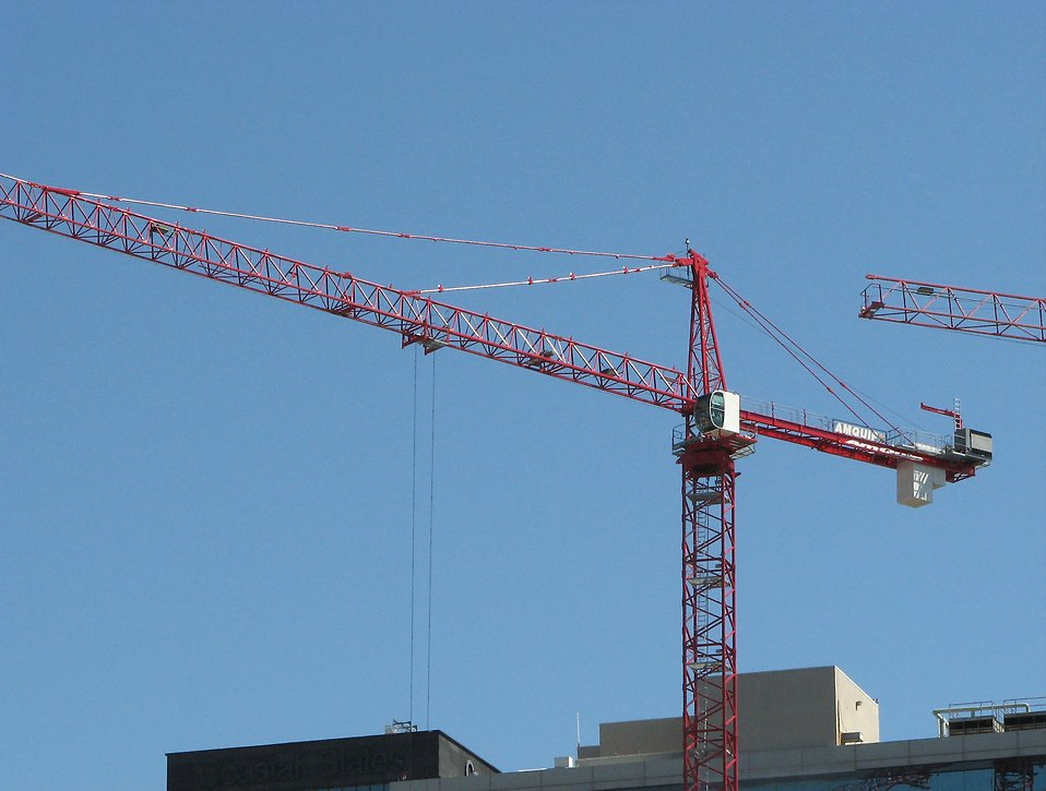 Construction cranes : Free Stock Photo