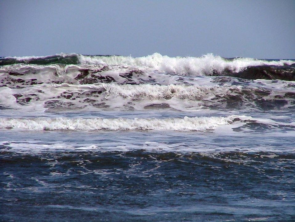Ocean waves : Free Stock Photo