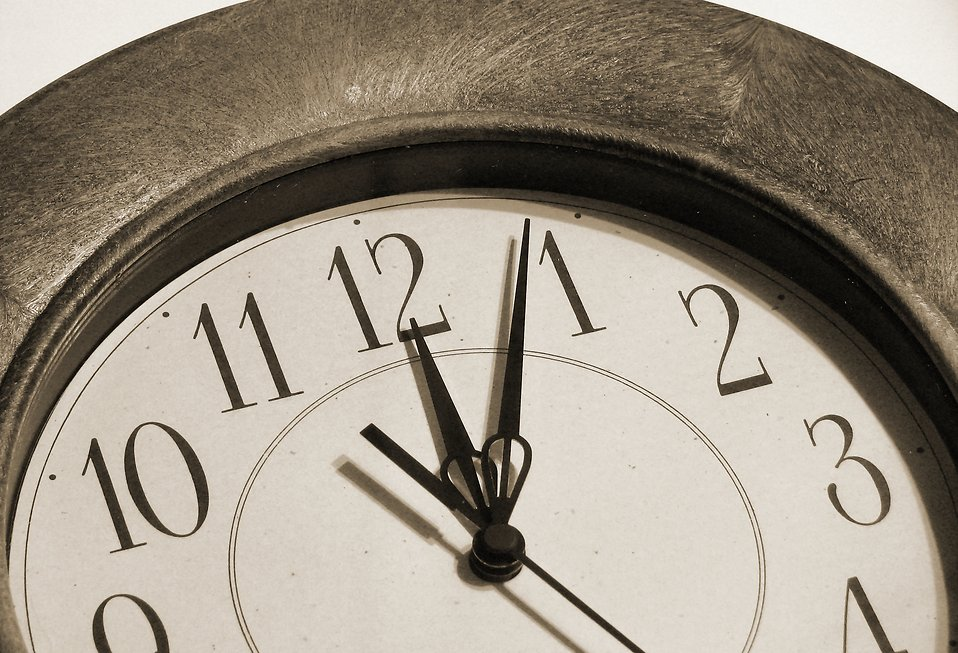 Clock closeup : Free Stock Photo