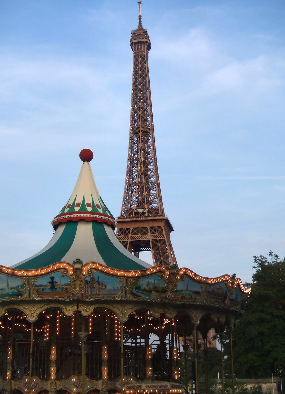 The Eiffel Tower and a carousel : Free Stock Photo