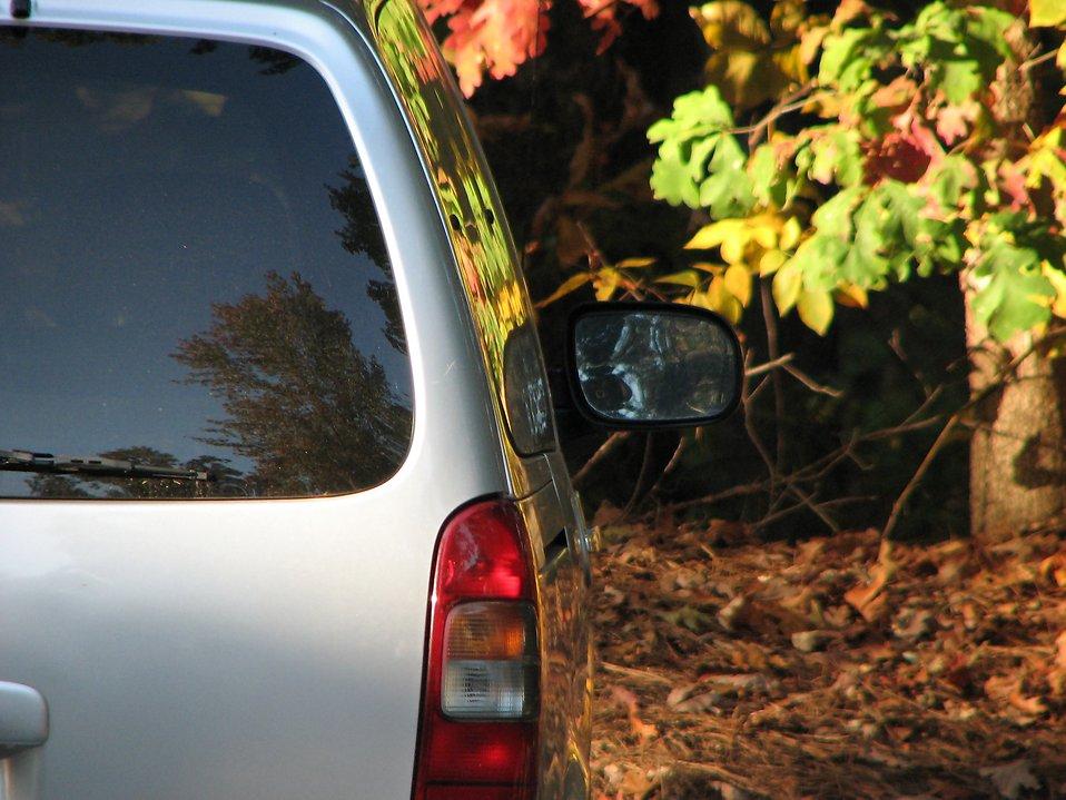 A parked minivan : Free Stock Photo