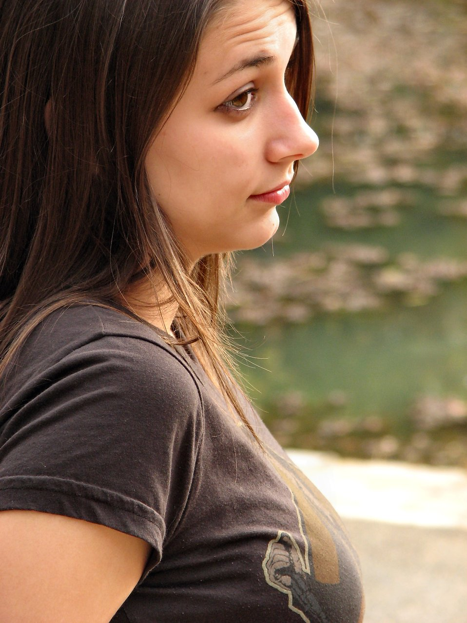 Outdoor portrait of a teen girl : Free Stock Photo