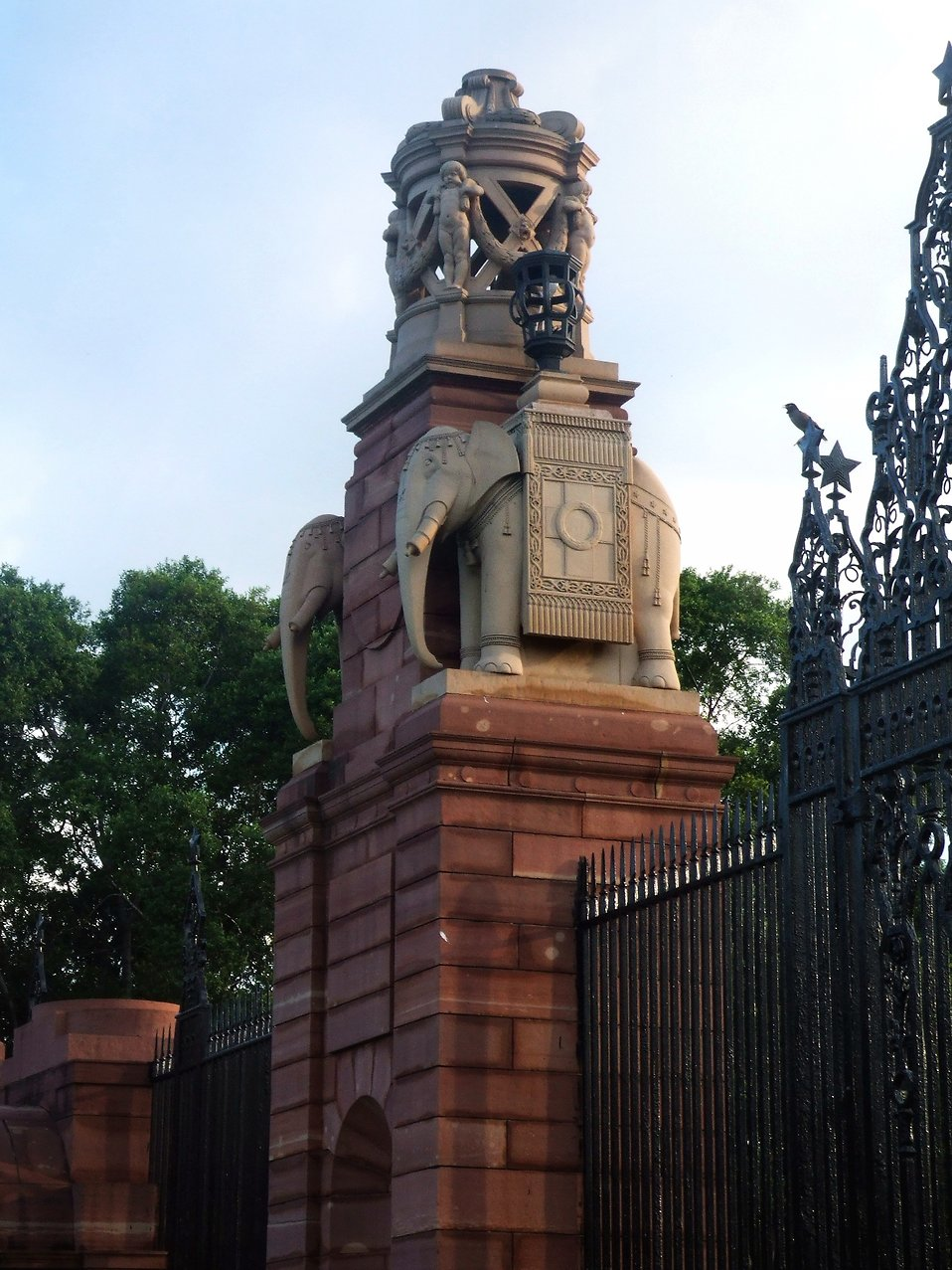 Indian gate statue : Free Stock Photo