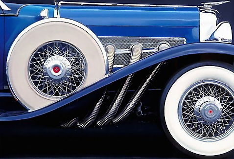 Closeup of a blue antique car : Free Stock Photo