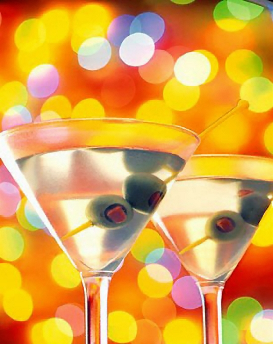 Two cocktails with olives : Free Stock Photo