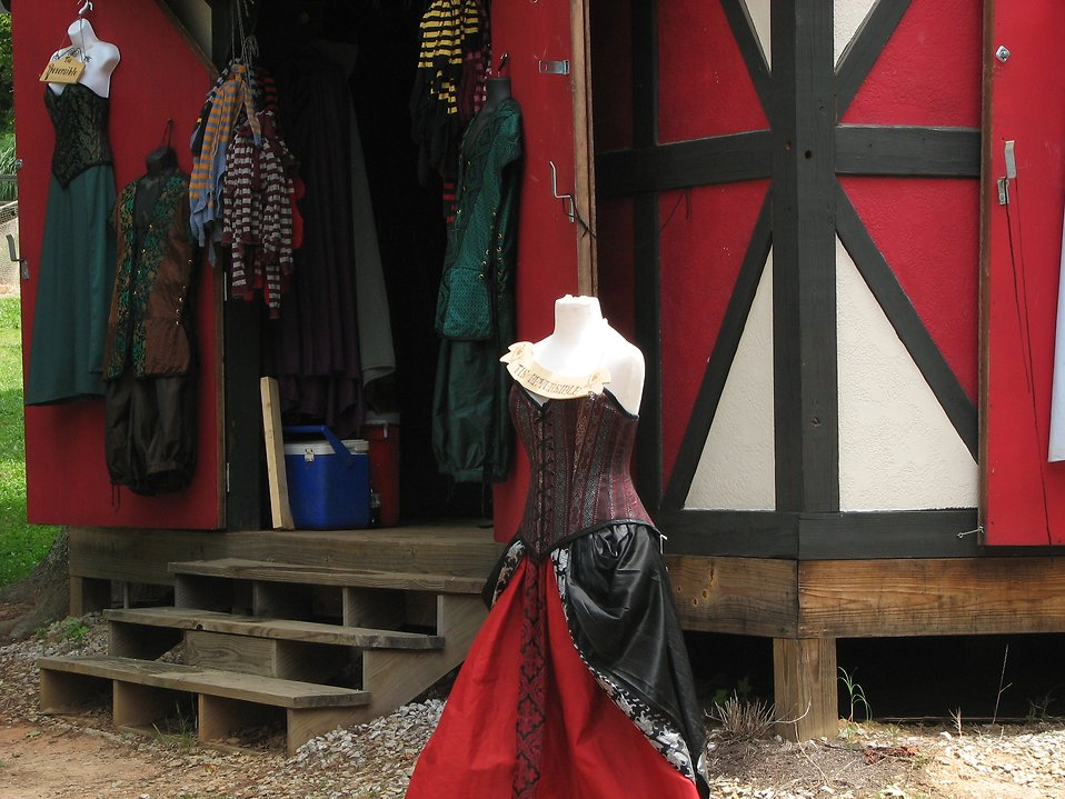 Medieval dress store front : Free Stock Photo