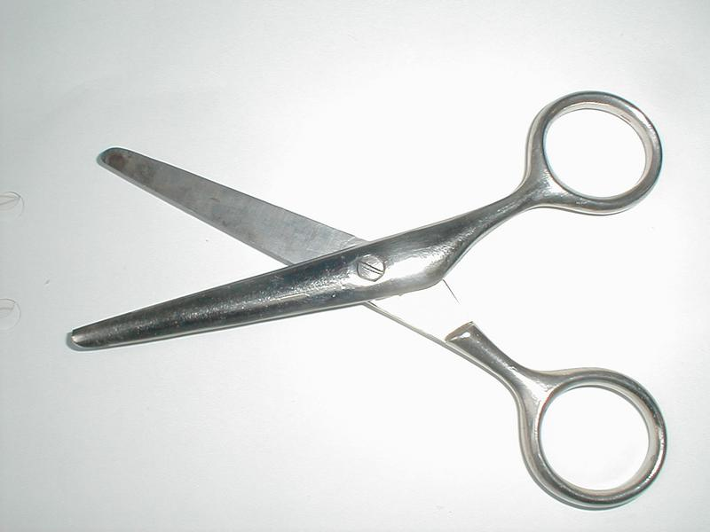 Open silver scissors : Free Stock Photo