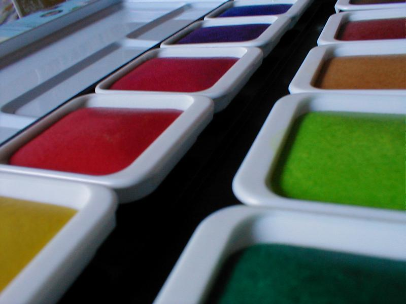 Colored trays of watercolor paint : Free Stock Photo