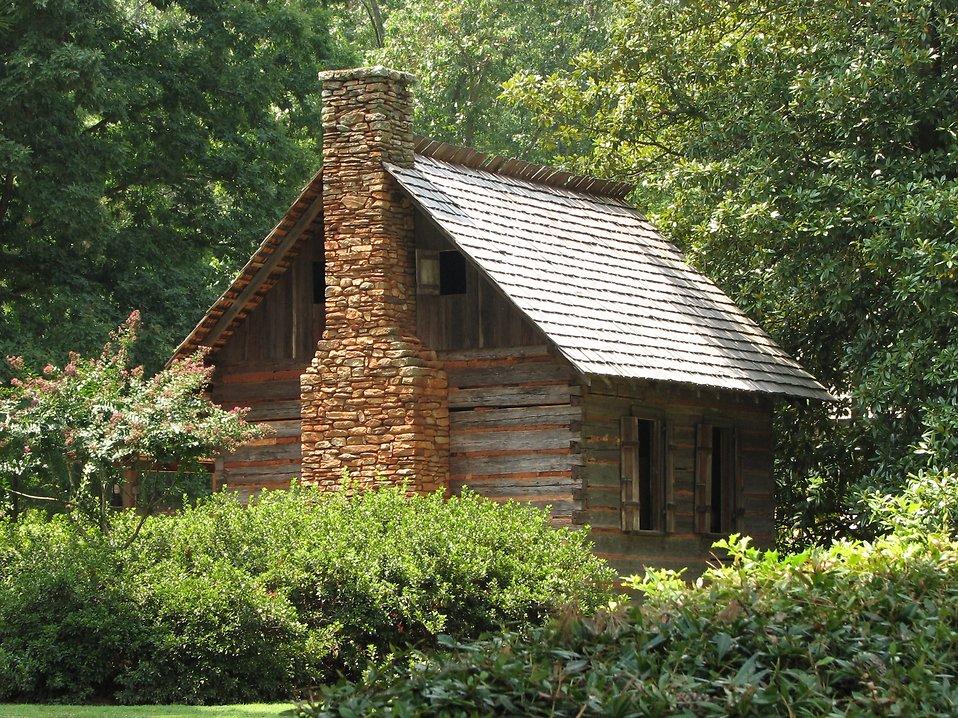 Historic building at Antebellum Plantation : Free Stock Photo
