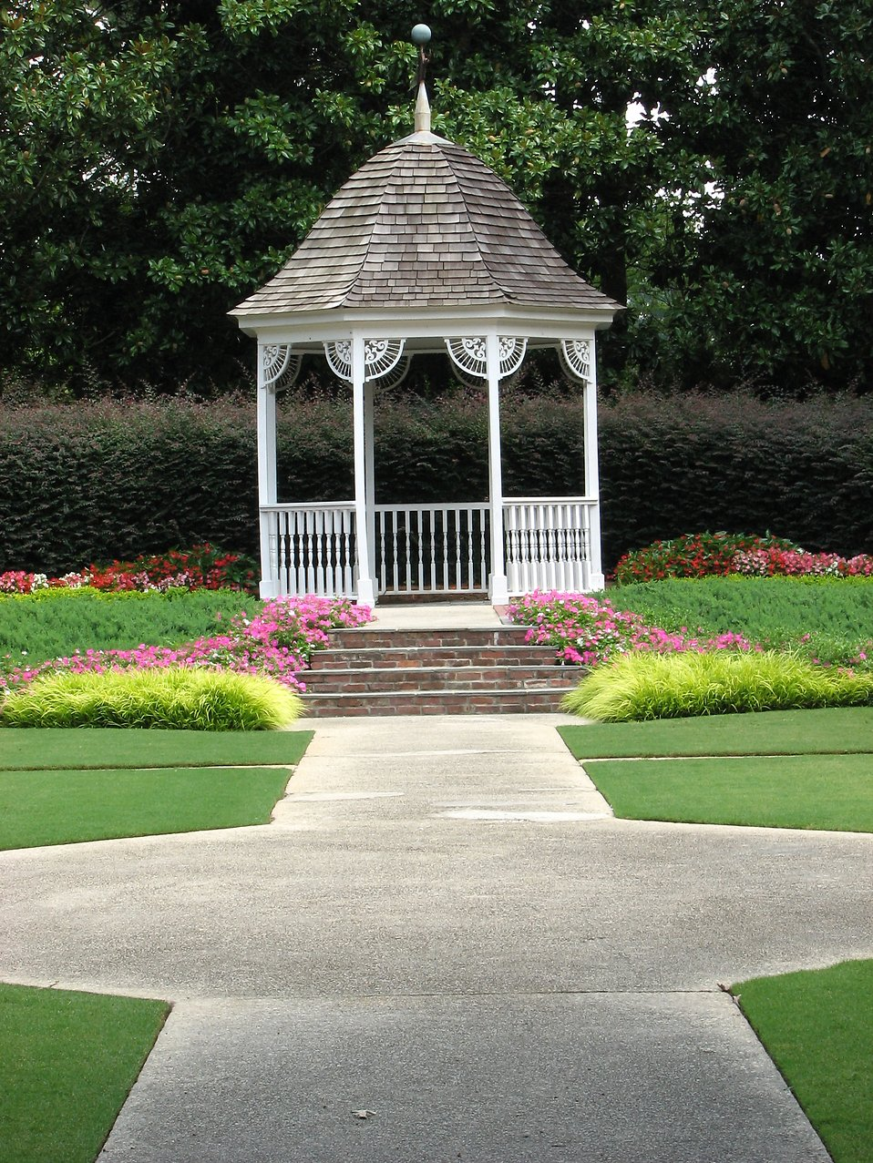 Garden gazebo at Stone Mountain Park : Free Stock Photo