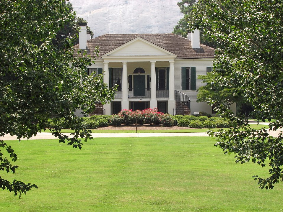 Antebellum Plantation at Stone Mountain Park : Free Stock Photo