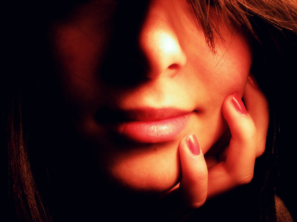 Close-up of a face of a beautiful woman : Free Stock Photo