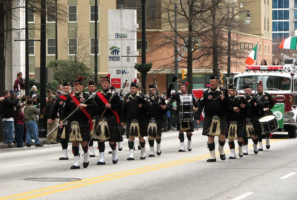Men marching with bagpipes at the 2010 Atlanta Saint Patrick's Day Parade : Free Stock Photo