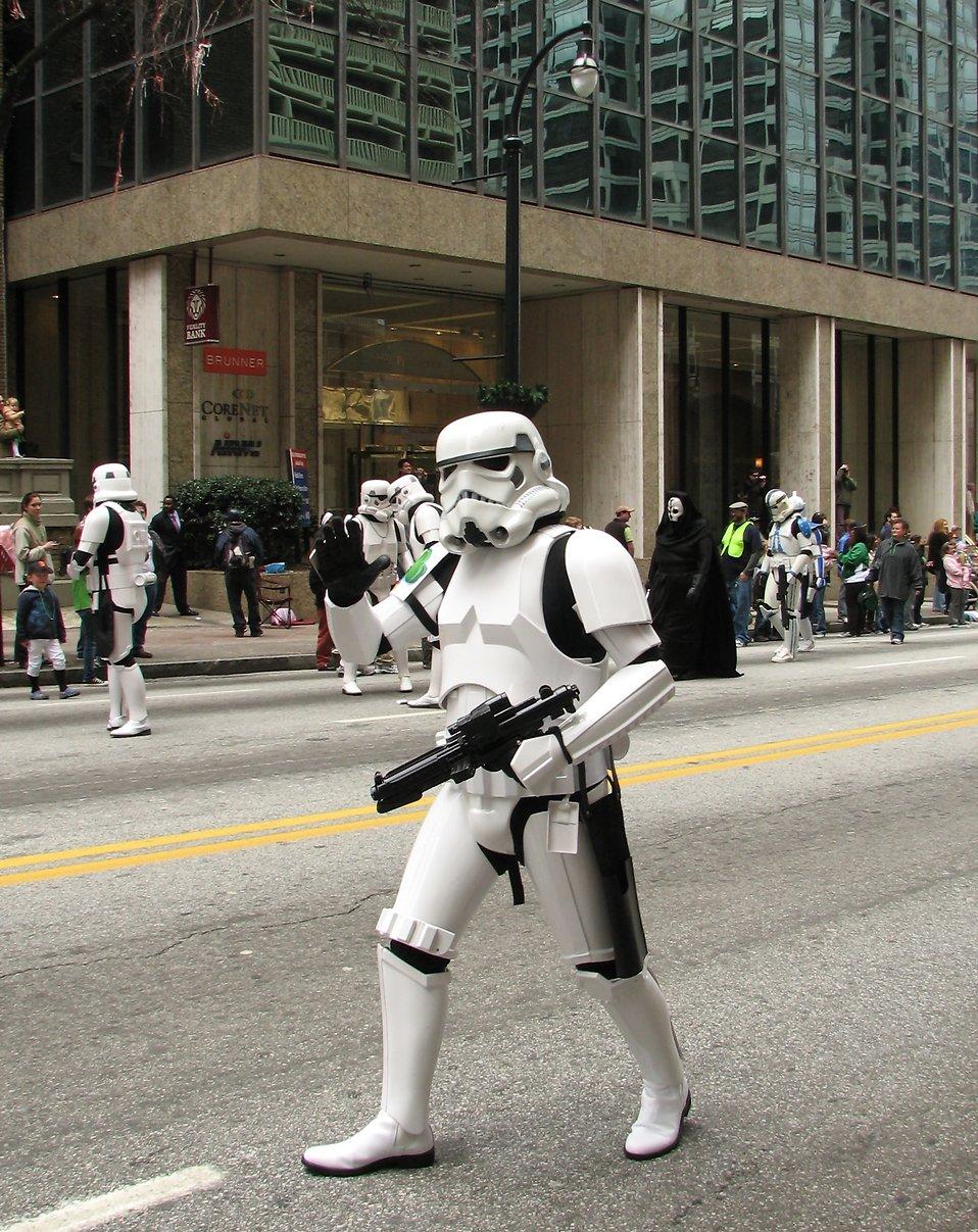 A Star Wars stormtrooper at the 2010 Atlanta Saint Patrick's Day Parade : Free Stock Photo