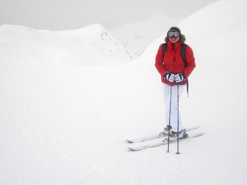 A woman snow skiing : Free Stock Photo