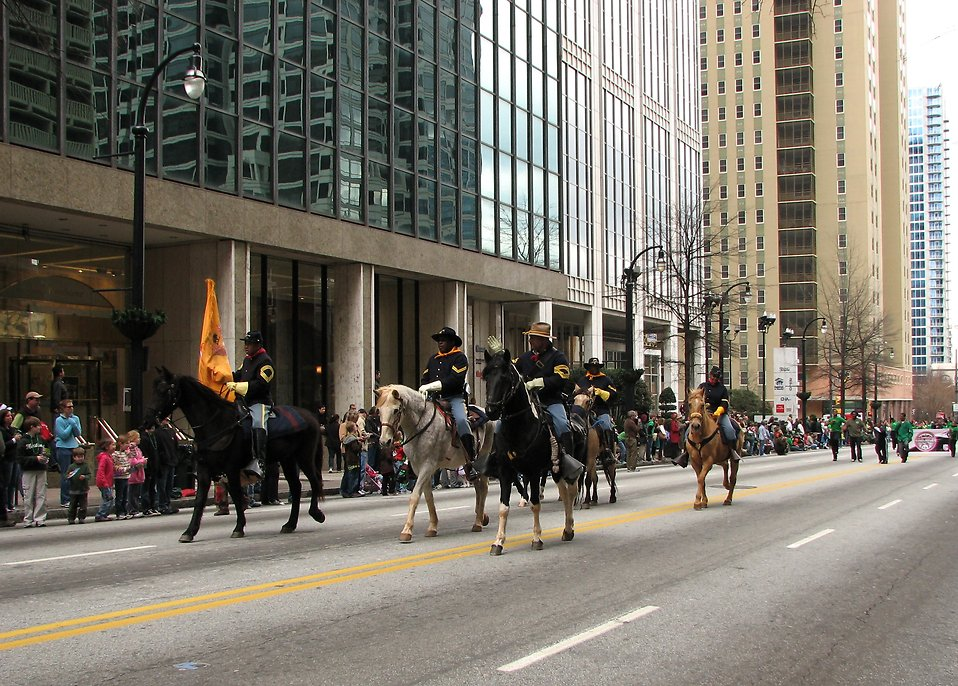 Mounted civil war soldiers in the 2010 Saint Patricks Day Parade in Atlanta, Georgia : Free Stock Photo
