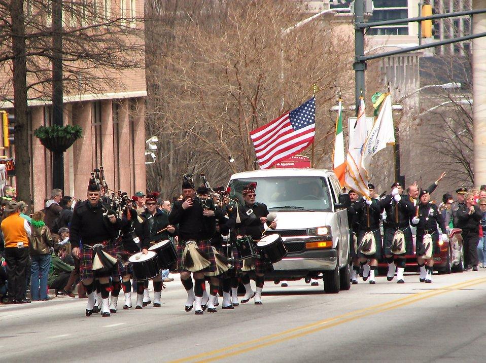 A marching band in the 2010 Saint Patricks Day Parade in Atlanta, Georgia : Free Stock Photo