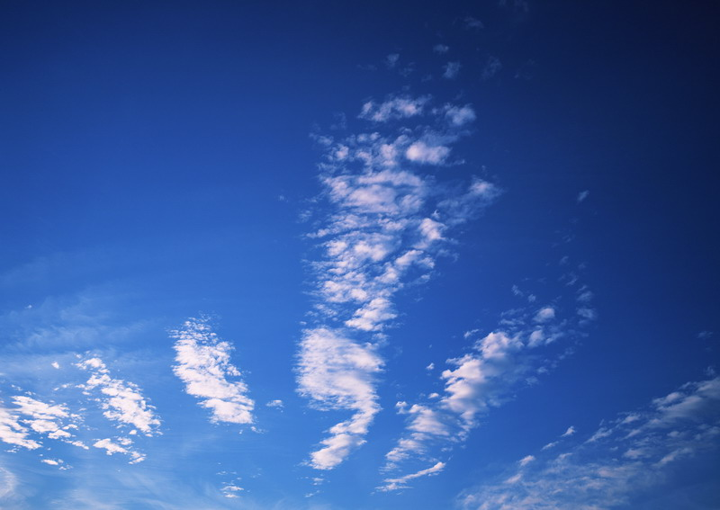 A cloudy blue sky : Free Stock Photo
