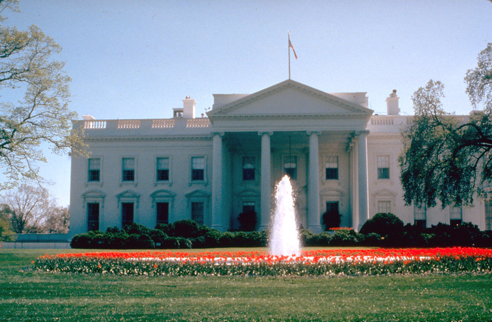 White house free stock photo the white house in for Free house photos