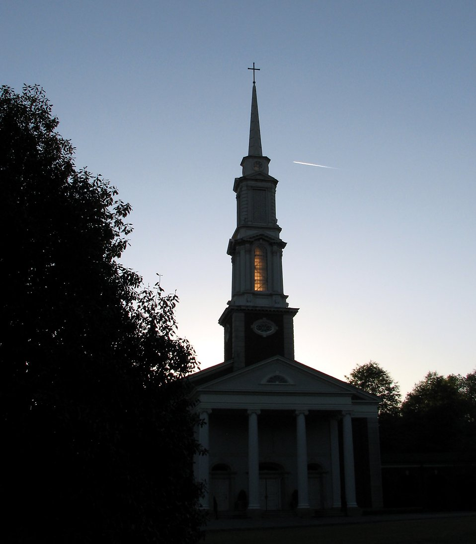 A church silhouette during sunset : Free Stock Photo