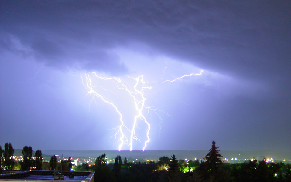 Lightning striking at night : Free Stock Photo