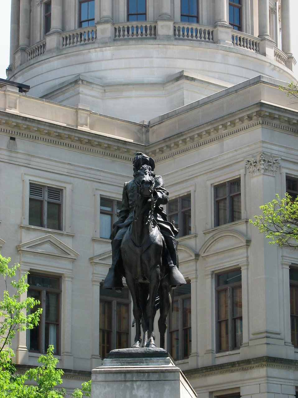 Statue of a man on a horse at the Georgia State Capitol building in Atlanta, Georgia : Free Stock Photo