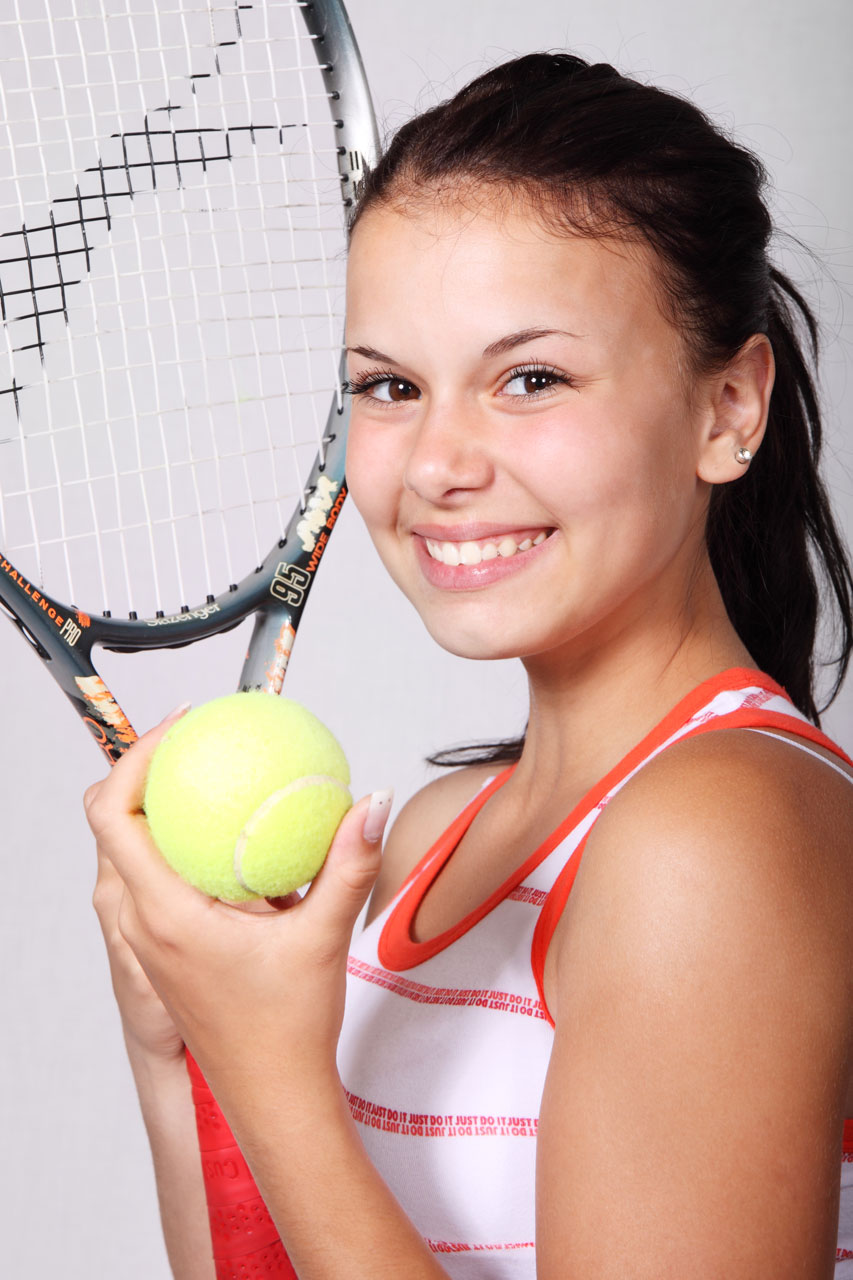 A beautiful girl with tennis gear : Free Stock Photo