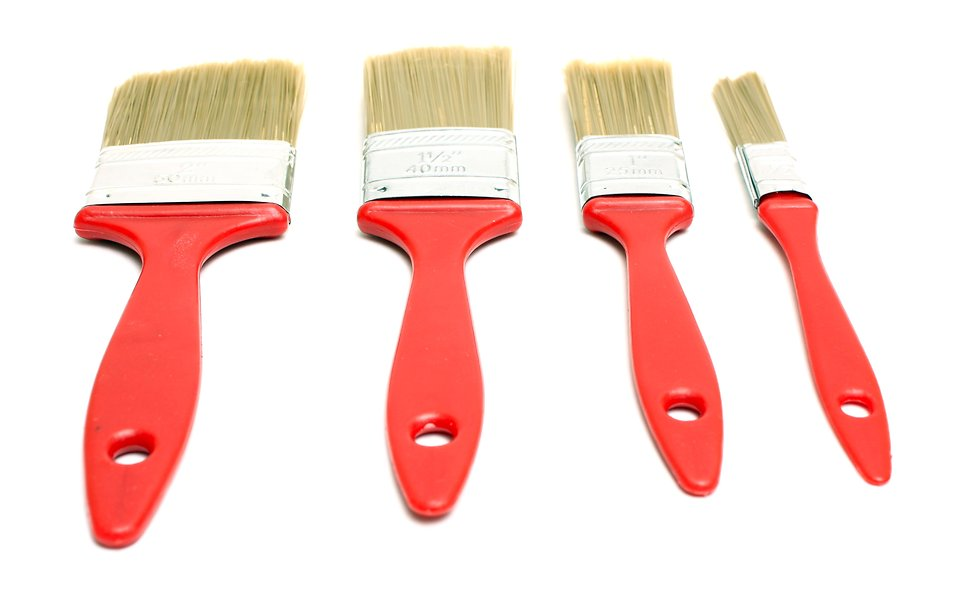 A set of paint brushes isolated on a white background : Free Stock Photo