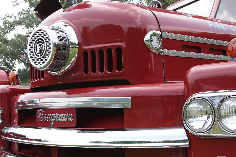 A vintage Seagrave Fire Apparatus : Free Stock Photo