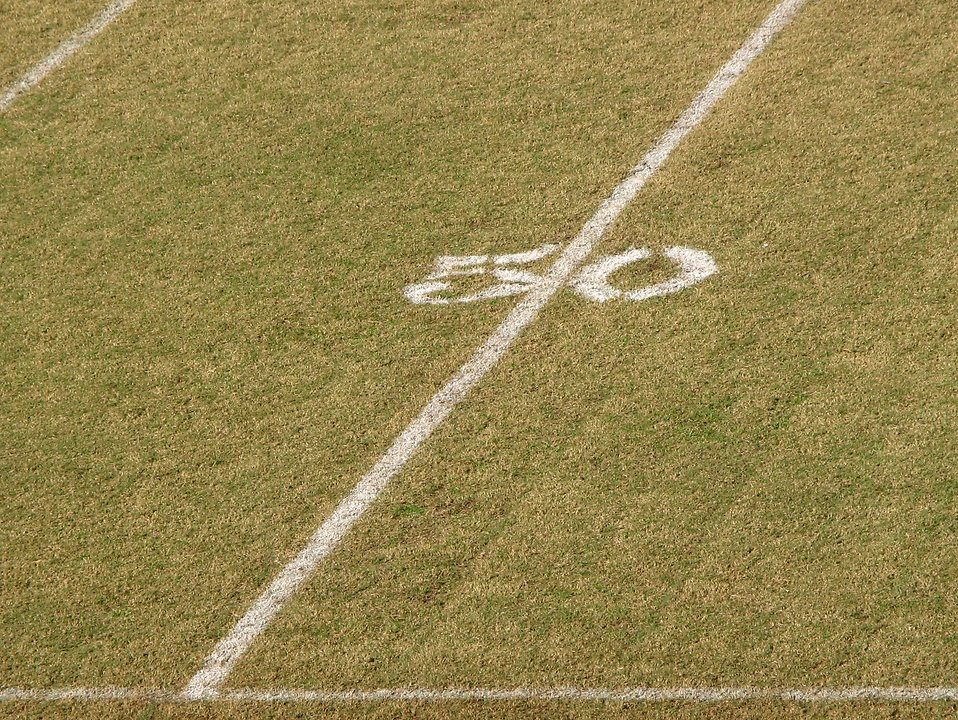 50 yard line on a football field : Free Stock Photo