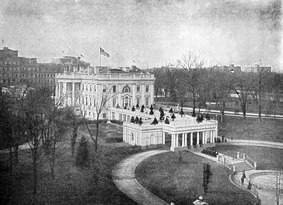 A vintage photo of the White House : Free Stock Photo