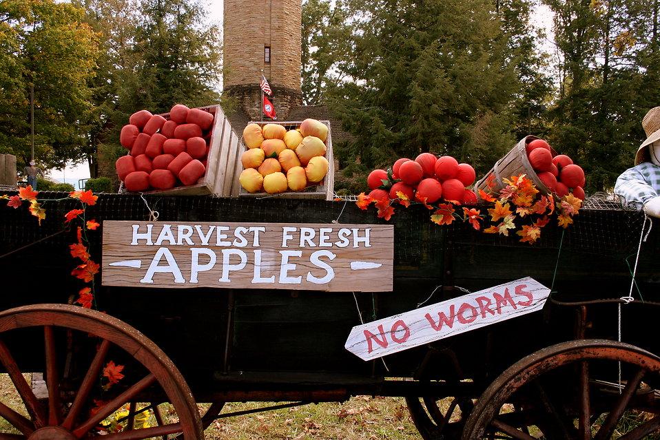 An apple cart in autumn : Free Stock Photo