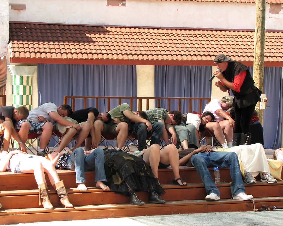 A hypnotist at the 2011 Georgia Renaissance Festival : Free Stock Photo