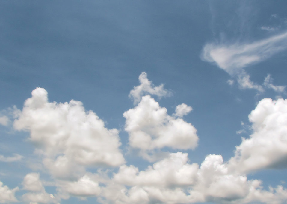 Clouds in a blue sky : Free Stock Photo