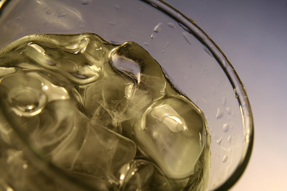 A glass of cold water with ice cubes : Free Stock Photo