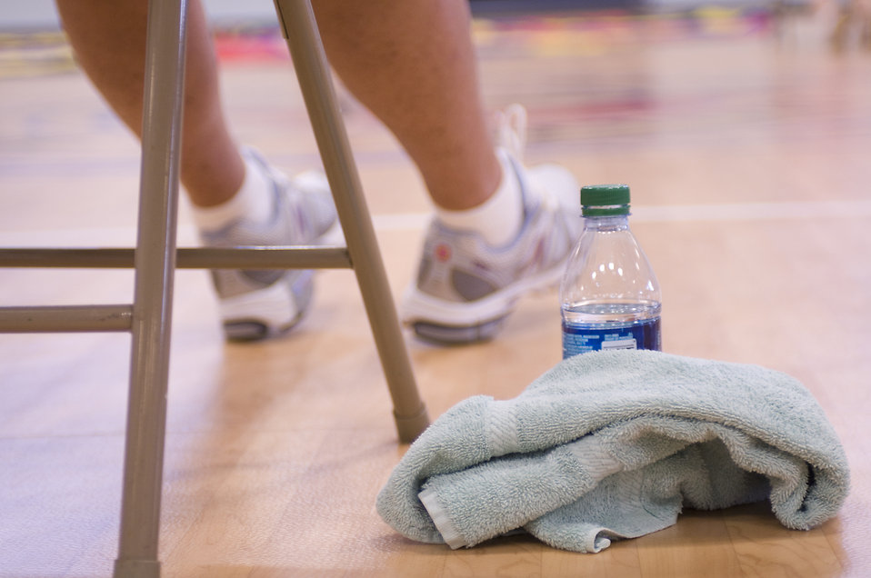 An athlete taking a break from physical activity : Free Stock Photo