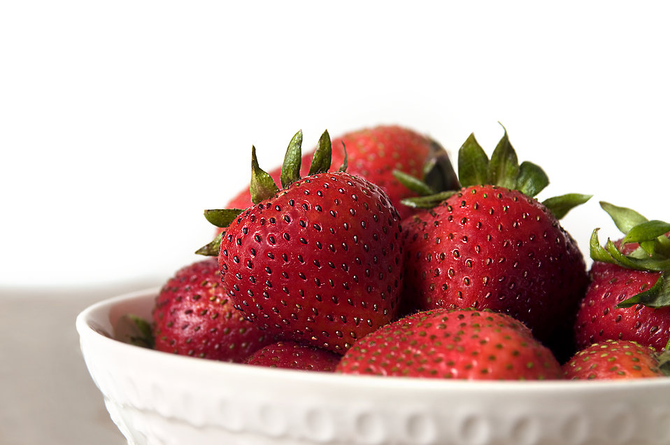 A bowl of strawberries : Free Stock Photo