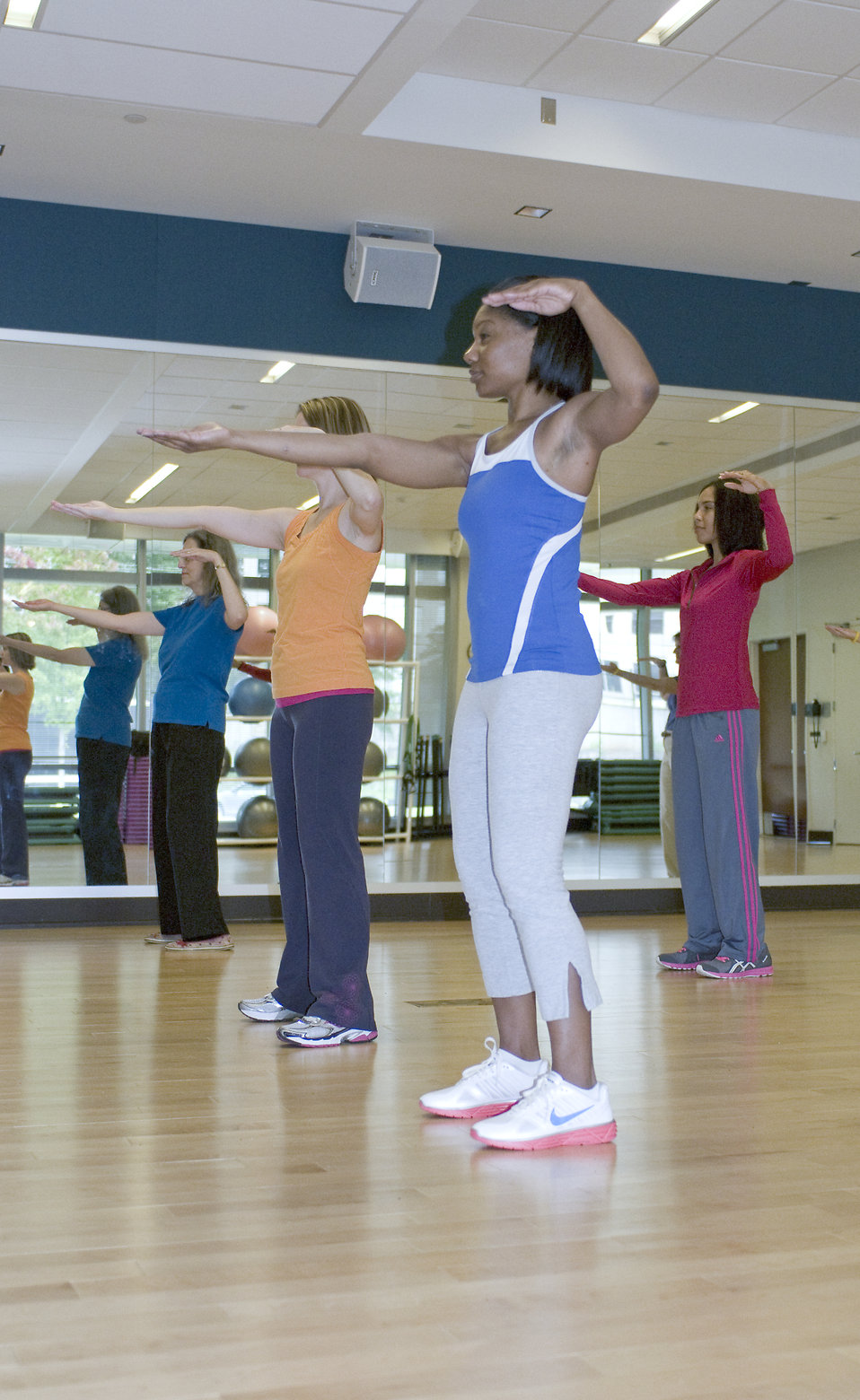 A group of women doing aerobics : Free Stock Photo