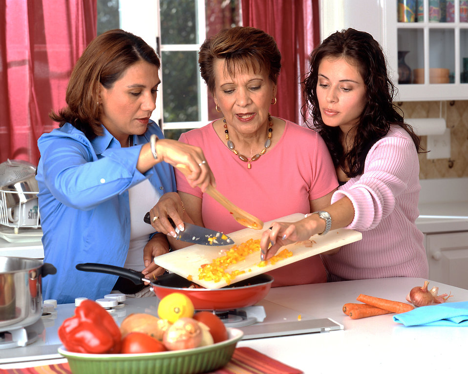 Hispanic women preparing food : Free Stock Photo