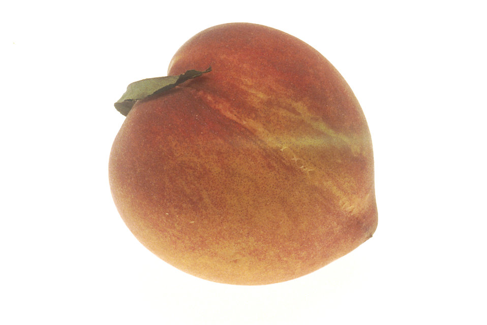 A raw peach : Free Stock Photo