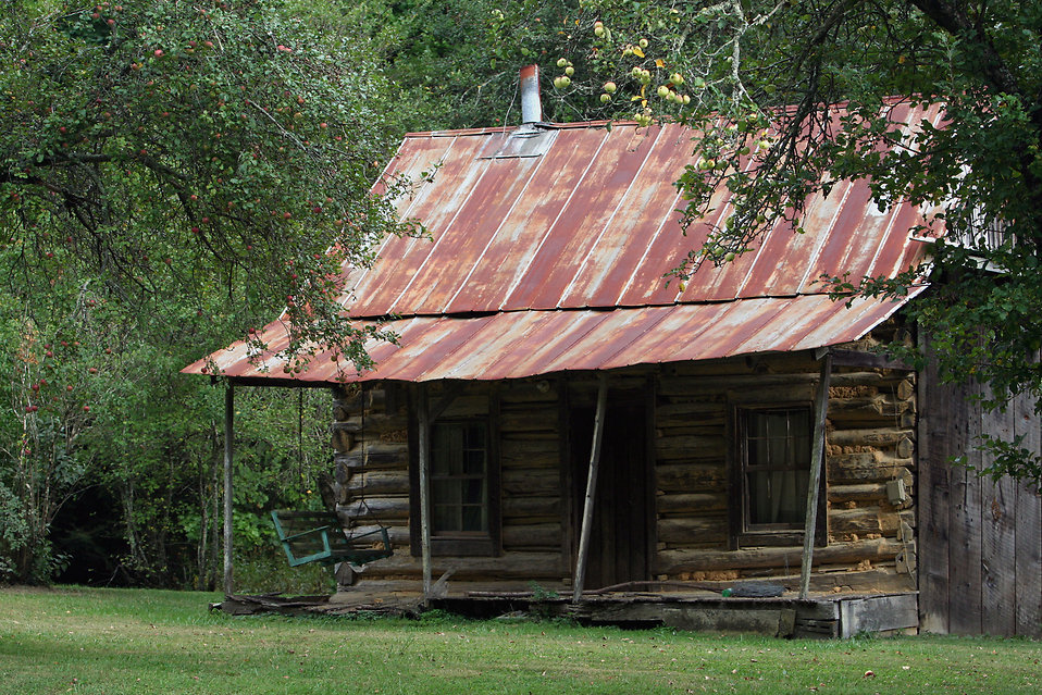Log Cabin Free Stock Photo A Rustic Log Cabin 17601
