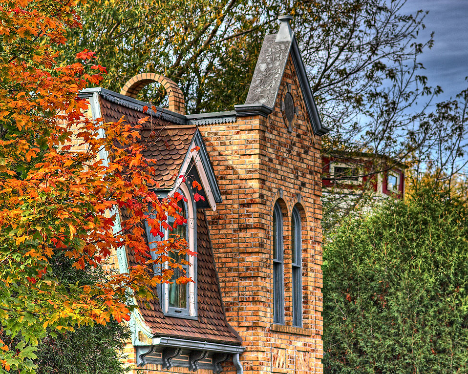 Front of a brick house : Free Stock Photo
