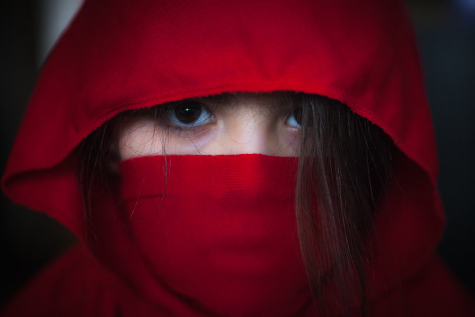 Red female ninja : Free Stock Photo