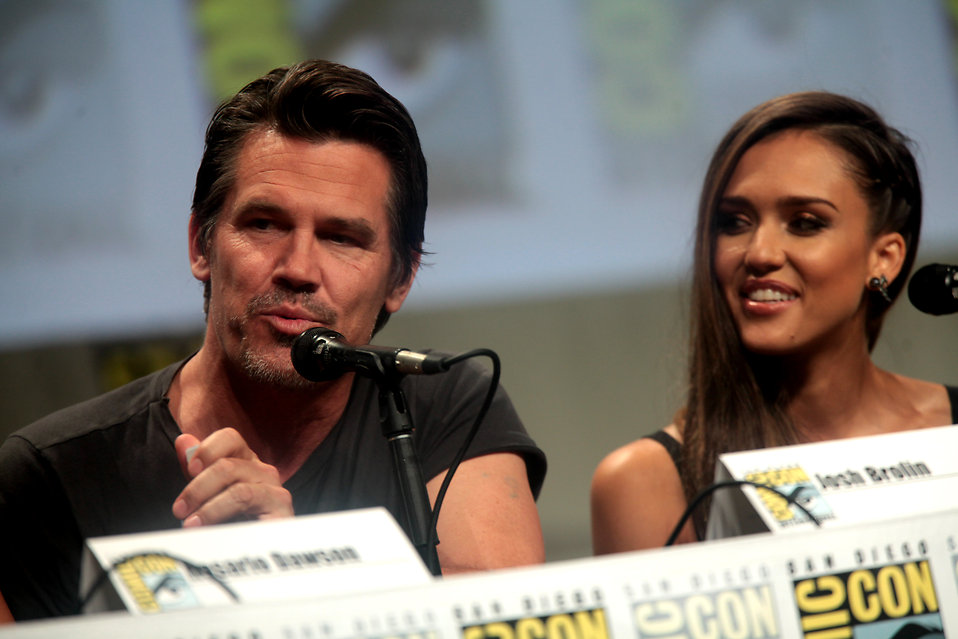 Jessica Alba and Josh Brolin : Free Stock Photo