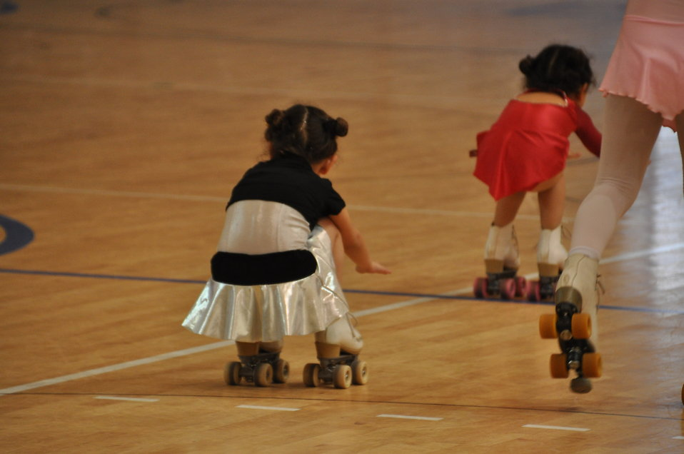 Beginner Roller Skates For Kids To Wear Over Shoes