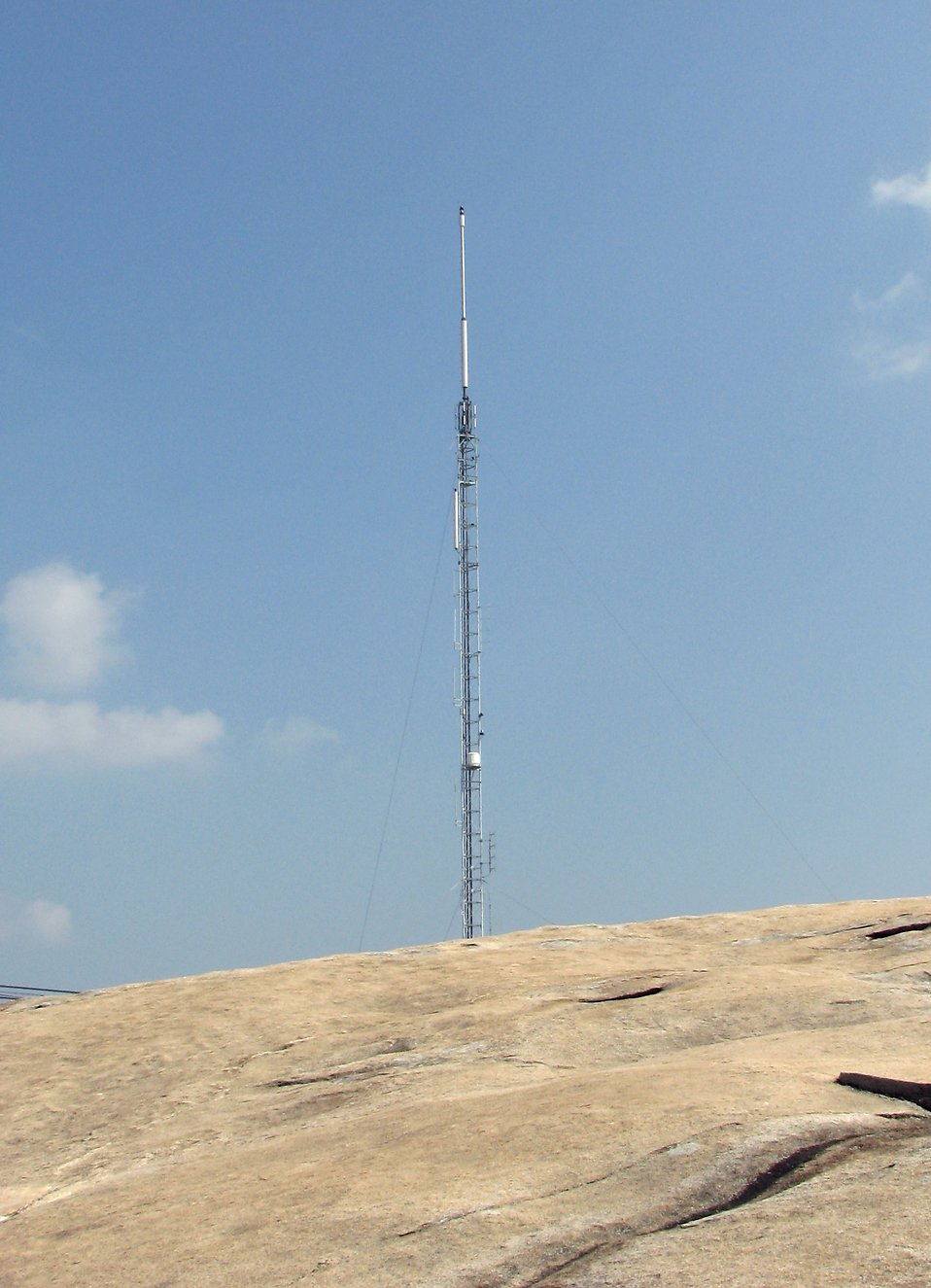 An antenna on top of Stone Mountain : Free Stock Photo