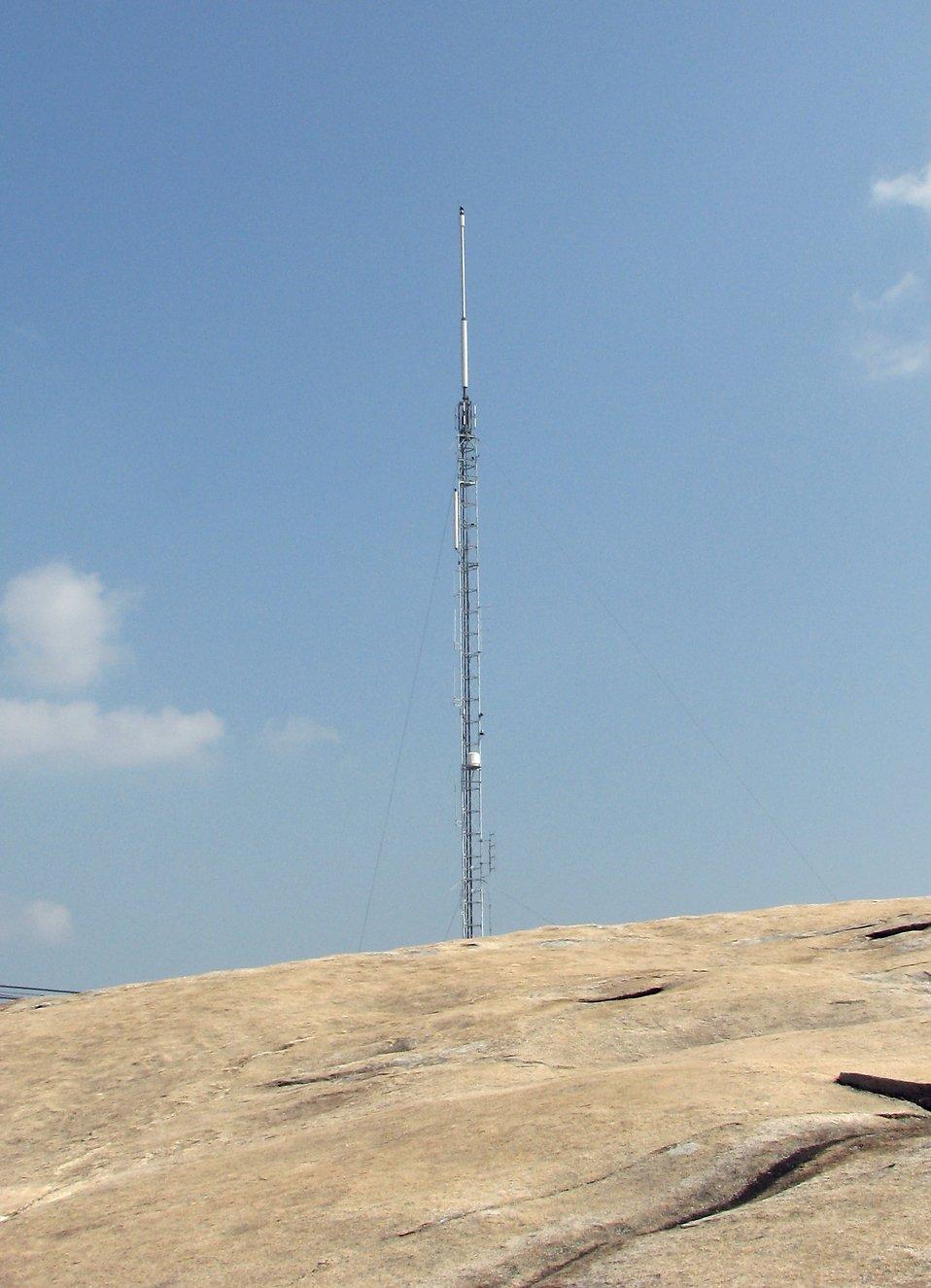 An antenna on top of Stone Mountain : Free Stock Photo